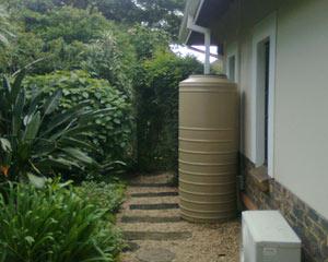 JoJo Slimline rainwater tank