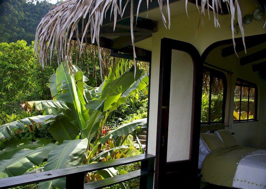 eco friendly hotels, green lodges